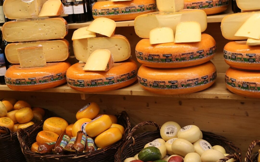Gemeente Amsterdam sluit toeristische kaaswinkel: mag dat?
