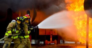 Asbestvervuiling na brand: geef het bedrijf ook een kans!